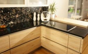 Küche Naturstein Arbeitsfläche
